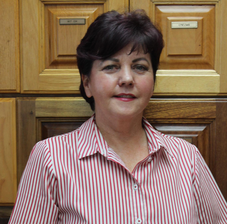 _0003_Silverton Timber Merchant-Team-Helen